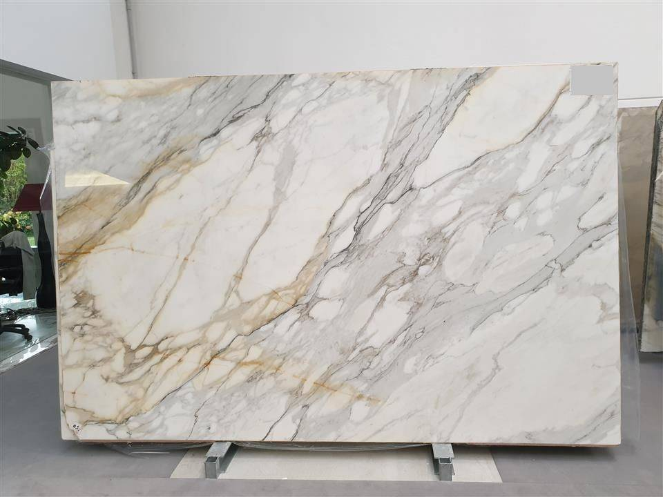 Calcutta marble stone & whiy it is so special